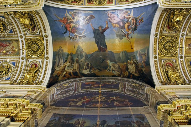 Saint Isaac's Cathedral interiors | 7 Places to See on Your First Time in St. Petersburg