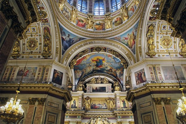 Saint Isaac's Cathedral interior | 7 Places to See on Your First Time in St. Petersburg
