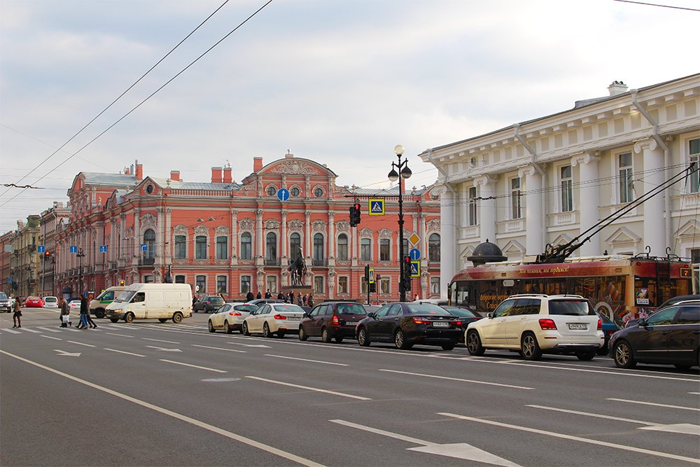 7 Places to See on Your First Time in St. Petersburg