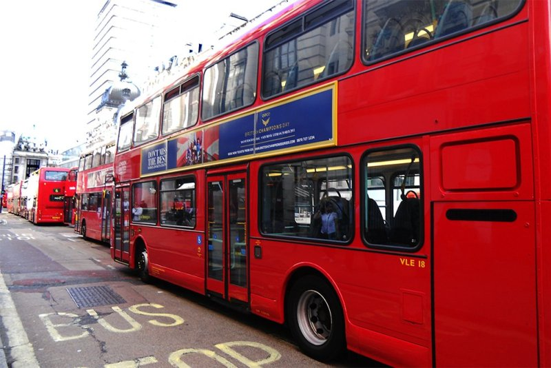 12 Things to Know Before Travelling to London | London buses