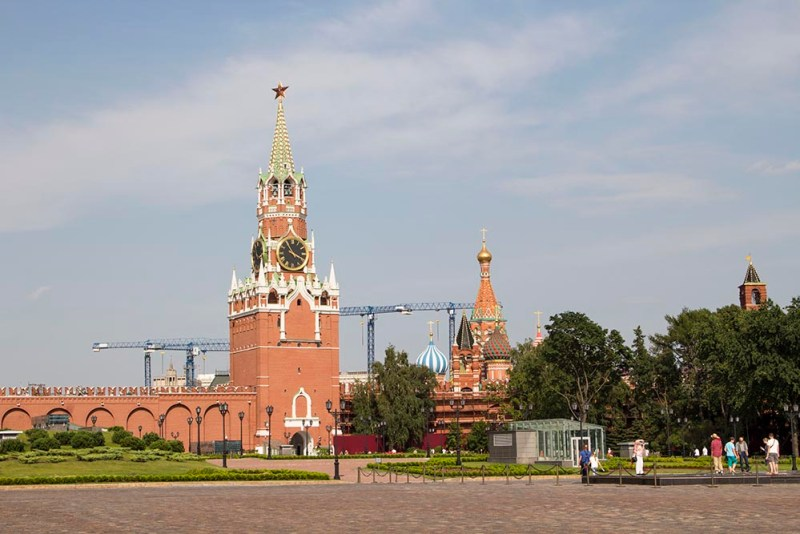 How to spend a perfect day in Moscow | Spasskaya Tower and St Basil's Cathedral