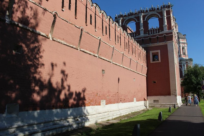 Top 10 places to see in Moscow, Russia | Walls of the Donskoy Monastery