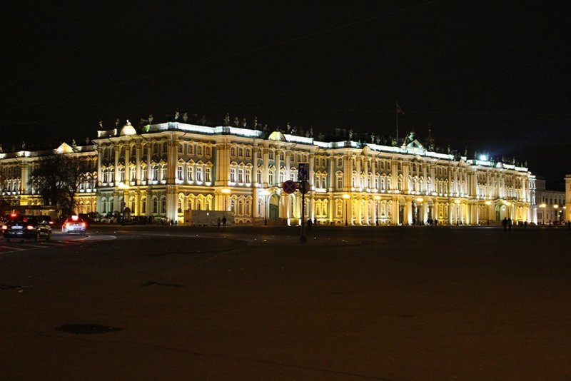 A full travel guide to St Petersburg, Russia | The Hermitage at night