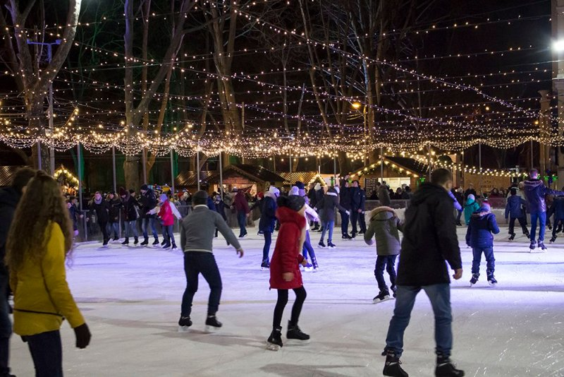 Christmas Fair in Chisinau, Moldova   The skating-rink
