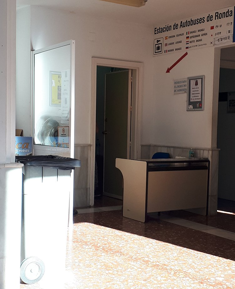 3 weeks of solo travel in Spain, Part 5: 1 day trip to Ronda | Baggage room at the bus station of Ronda