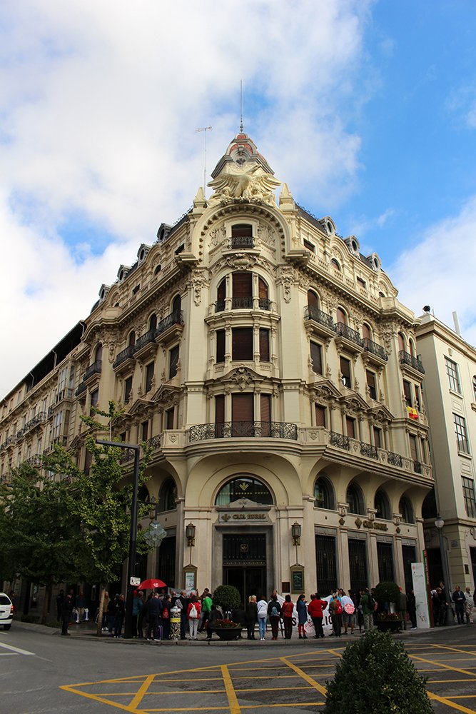 3 Weeks of Solo Travel in Spain, Part 3: things to do in Granada | Gran Via de Colon