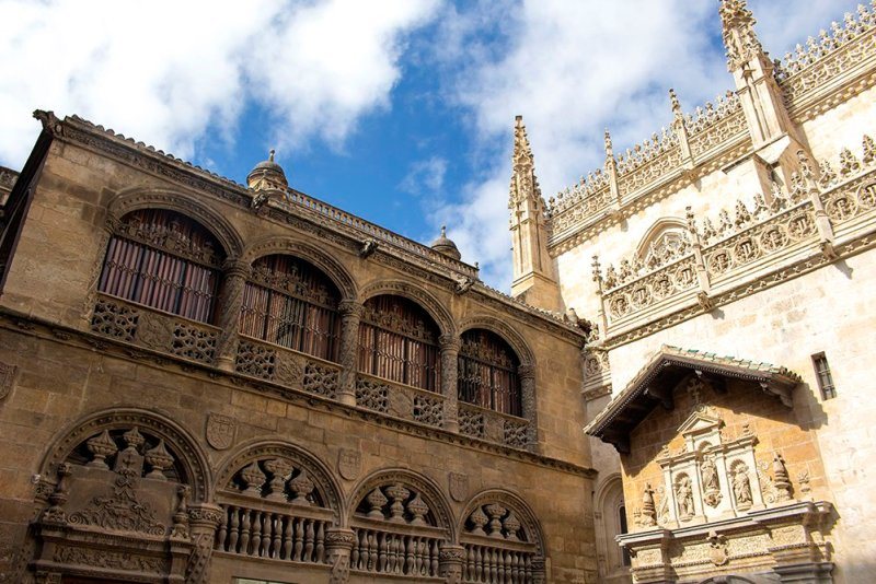 Solo Travel in Spain: Things to Do in Granada - Irma Naan World