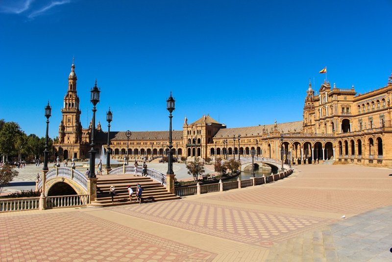 3 Weeks of Solo Travel in Spain, Part 6: a Long List of Places to See in Seville | Plaza de Espana