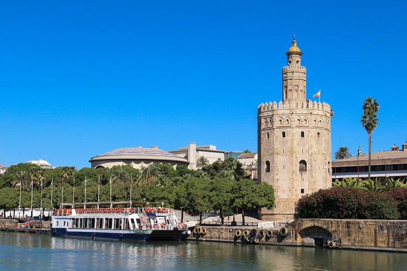 3 Weeks of Solo Travel in Spain, Part 6: a Long List of Places to See in Seville | Torre del Oro