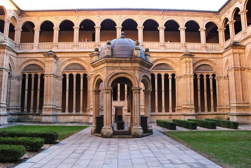 3 Weeks of Solo Travel in Spain: 3 days in Salamanca   Convento de San Esteban