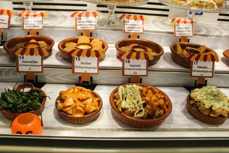 3 Weeks of Solo Travel in Spain: 4 days in Madrid | Food at the San Anton Market