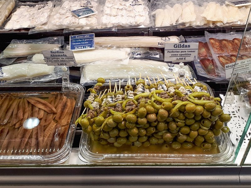 3 Weeks of Solo Travel in Spain: 4 days in Madrid | Tapas at San Anton Market
