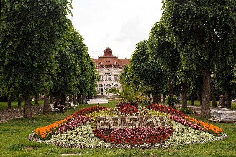A day trip from Prague: what to do in Karlovy Vary   Smetanovy Sady