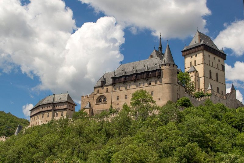 From Prague to Karlstejn Castle, Czech Republic | Karlstejn Castle