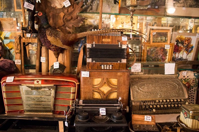 A day trip from Prague to Cesky Krumlov Castle | The antique shop