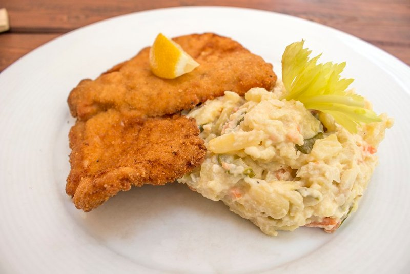 Czech Republic: Visiting Kromeriz Castle and Gardens from Brno | Schnitzel and potato salad