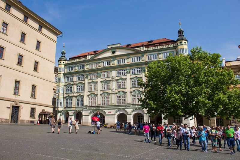 Prague sightseeing: my top 10 things to do in Prague | A palace in Mala Strana in Prague