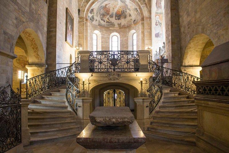 Достопримечательности Праги: Базилика Святого Георгия в Пражском граде