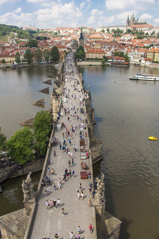 На Карловом мосту в Праге