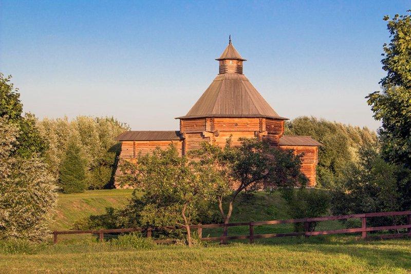 A wooden church in Kolomenskoye in Moscow