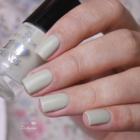 essence meet me at the chimney + moyou origami nails (3)