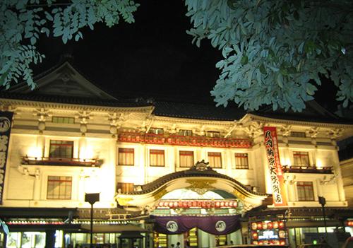 写真:リニューアル前歌舞伎座ライトアップ