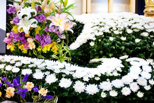 お葬式の白