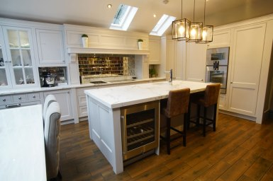 Kitchen Design - Lytham House - Lytham St Annes - by Iroko Designs - 10