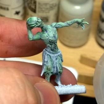 1-undead-zombie-02-close-up-headless
