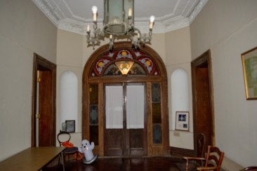 Front Entry 1.jpg