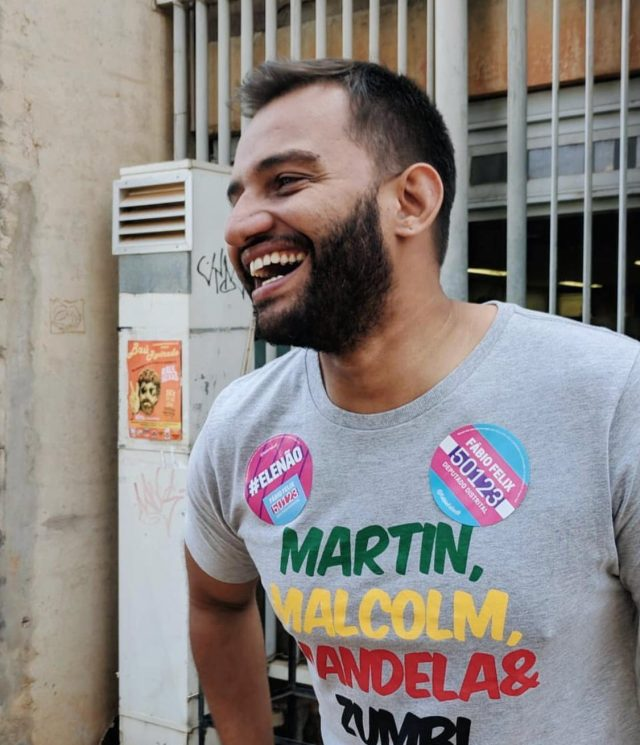 Primeiro deputado distrital negro e abertamente gay, Fábio Félix do PSOL foi eleito para a Câmara Distrital de Brasília com 11 mil votos!