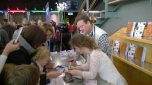 Autogrammstunde Caroline Adomeit