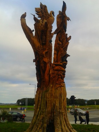 carved_tree2