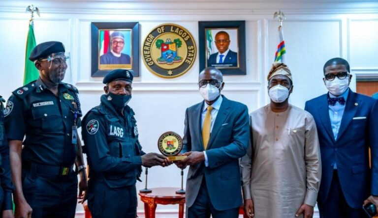 Sanwo-Olu Honours Police Officer Who Was Assaulted, For His Bravery