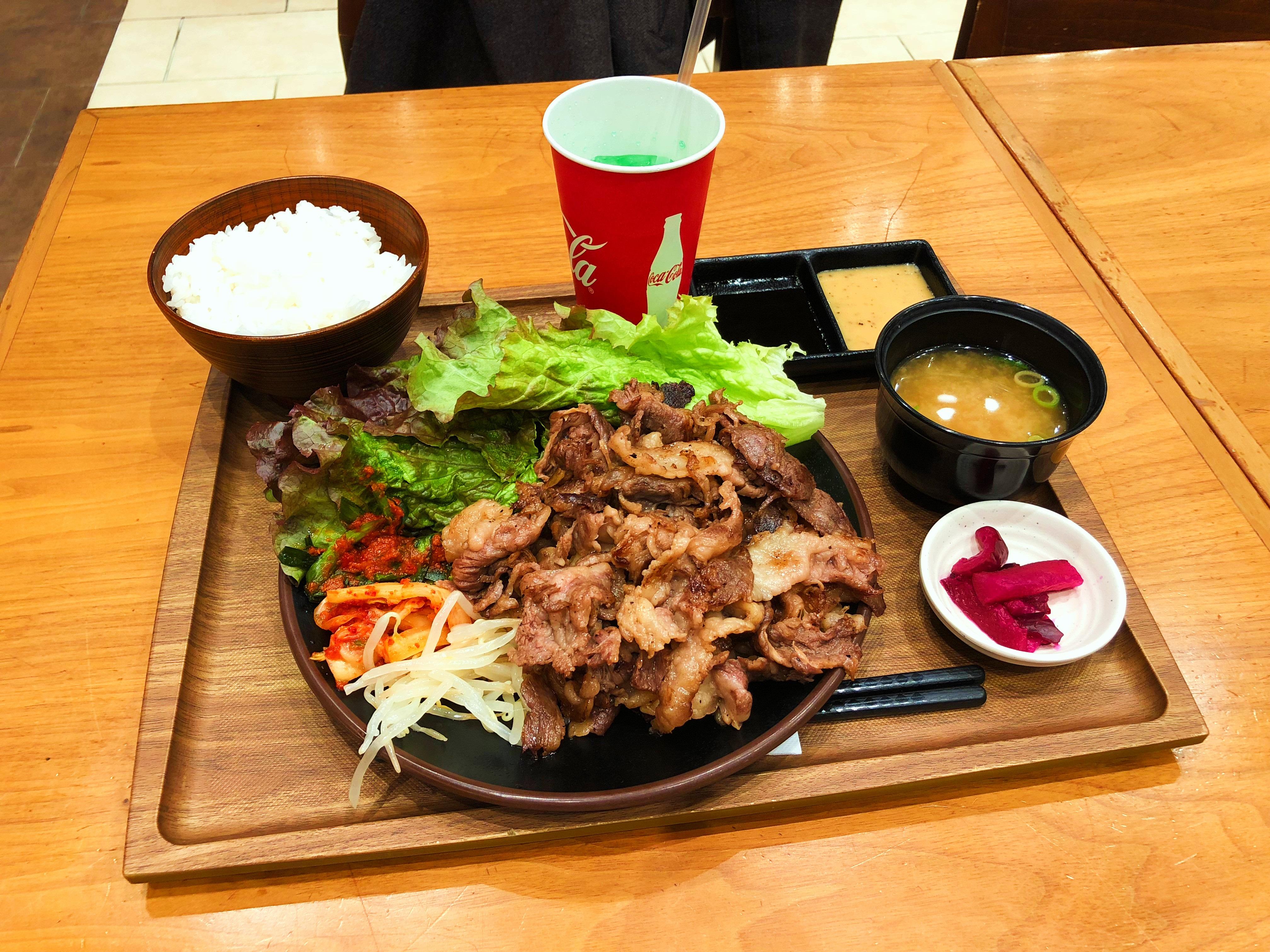 肉の沼田の牛カルビ焼肉定食1