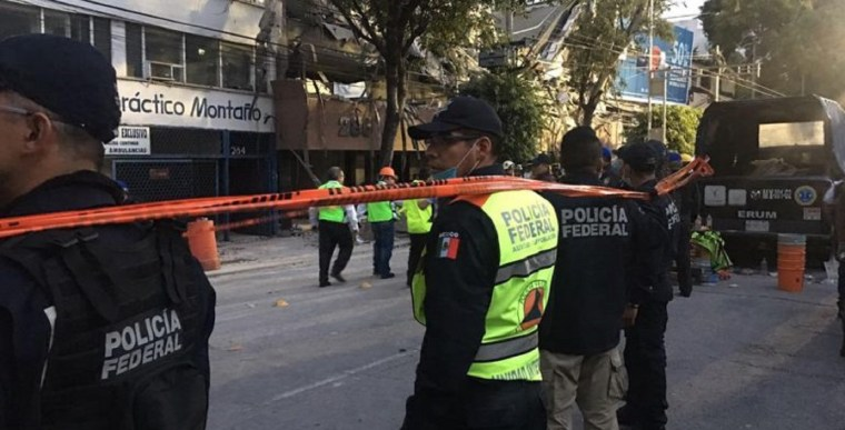 Policía-Federal-rescatistas-sismo-CDMX-Roma-770x392