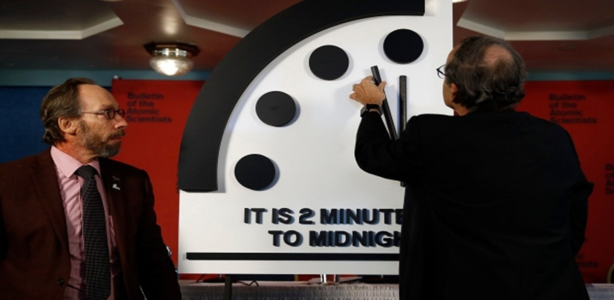 #Viral Estamos a 'dos minutos' del fin del mundo, según científicos