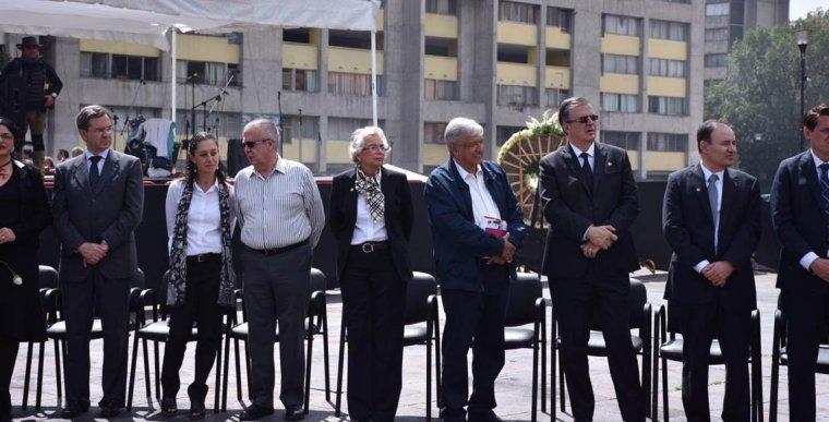 A-50-años-de-la-masacre-de-Tlatelolco-Andrés-Manuel-López-Obrador-Plaza-de-las-Tres-Culturas-FOTO-Marco-Tulio-González-QUADRATÍN1