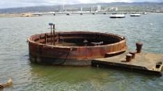 hawaii-Geschützturm ragt noch aus dem Wasser 019