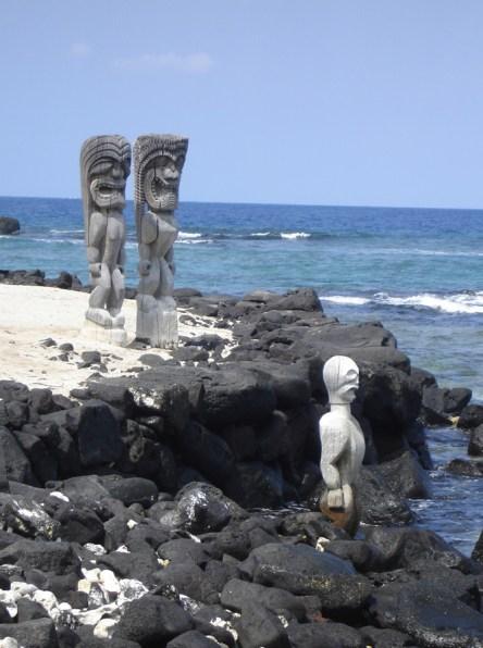 hawaii-totems bewachen küste-106