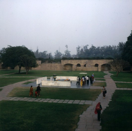 Indien-Delhi-Gandhi-Grabmal 1999