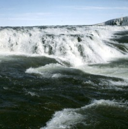 island-gullfoss-totale-3