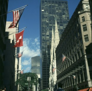 new-york-St.Patricks-Cathedral und Trumptower 1998