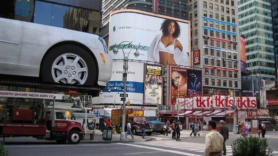 new-york-Times Square am normalen Morgen 2003