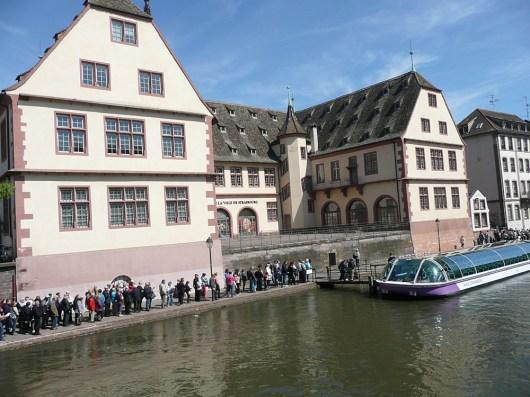 rhein-touristen-anleger-strassburg