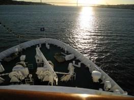Traumschiff Auslaufen aus Lissabon