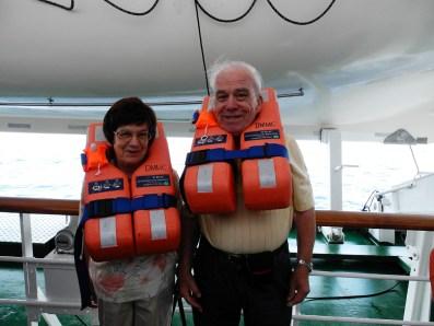 Traumschiff Irvin & Maja mit Schwimmwesten