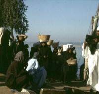 Volk-Luxor Ostseite Marktfrauen