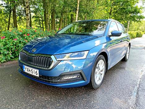 The cautious, but certainly clearly revamped look is by no means the biggest news for the new Octavia. The two-liter diesel model in the picture is available to top two different power versions, of which the bigger 150-horsepower that has been driven is always automatic.