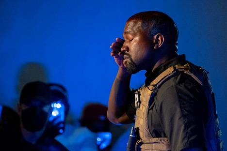 Kanye West shed tears when she talked about abortion.